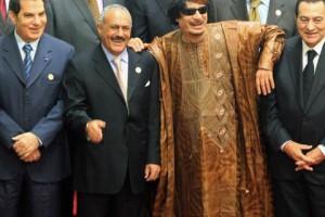 Ben Ali (Tunisie), Kadhadi (Libye) et Moubarak (Egypte) étaient, en 2011, trois chefs d'État aux ordres de Washington (Kadhafi depuis son revirement de 2003, les deux autres depuis toujours). Malgré les services rendus, ils furent balayés au profit des Frères musulmans.